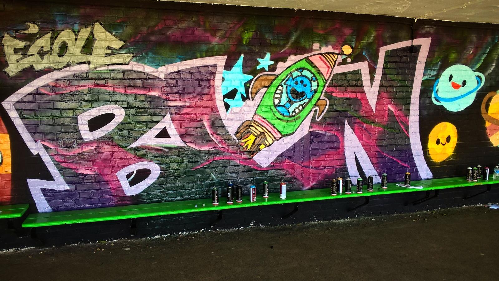 Graffiti-Dans-3-ecoles-primaires-noeux-les-mines-009