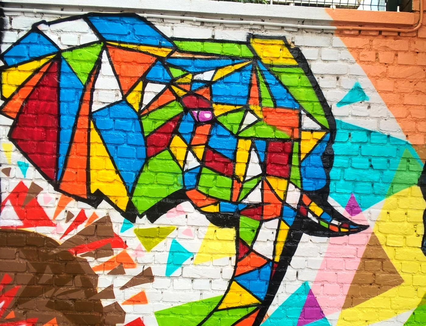 Graffiti-Dans-3-ecoles-primaires-noeux-les-mines-010