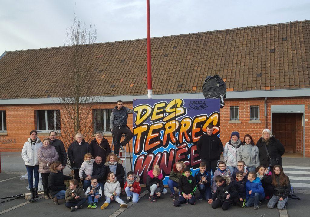 Un graffeur pro anime un atelier graff à Calonne Ricouart dans le nord pas-de-calais