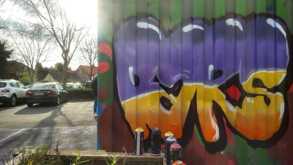 Graff sur container à Lillers avec les ados