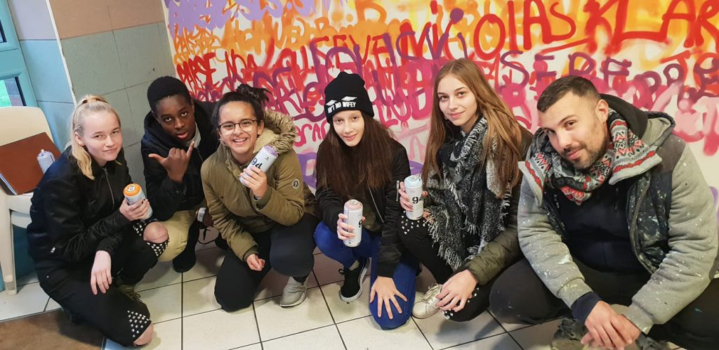 Graffiti avec les jeunes de Sallaumines