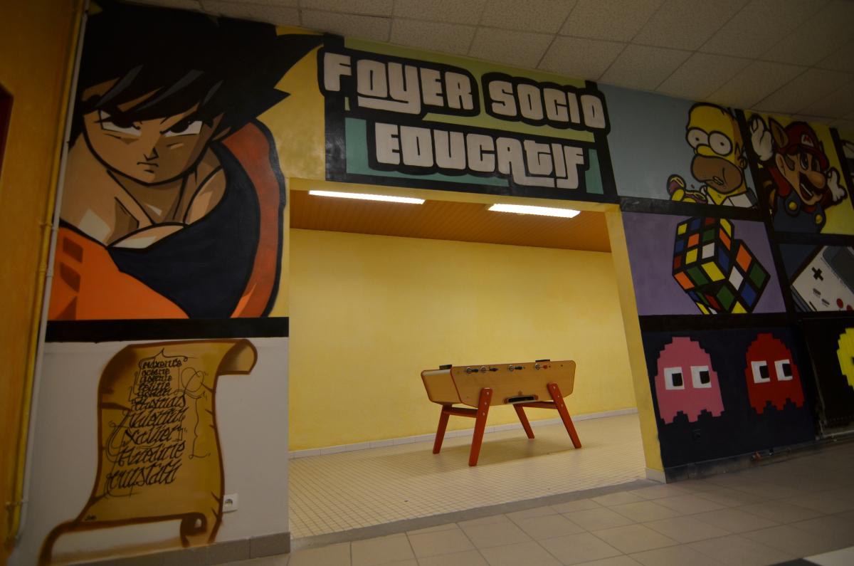 Du graffiti au lycée Robespierre de Lens