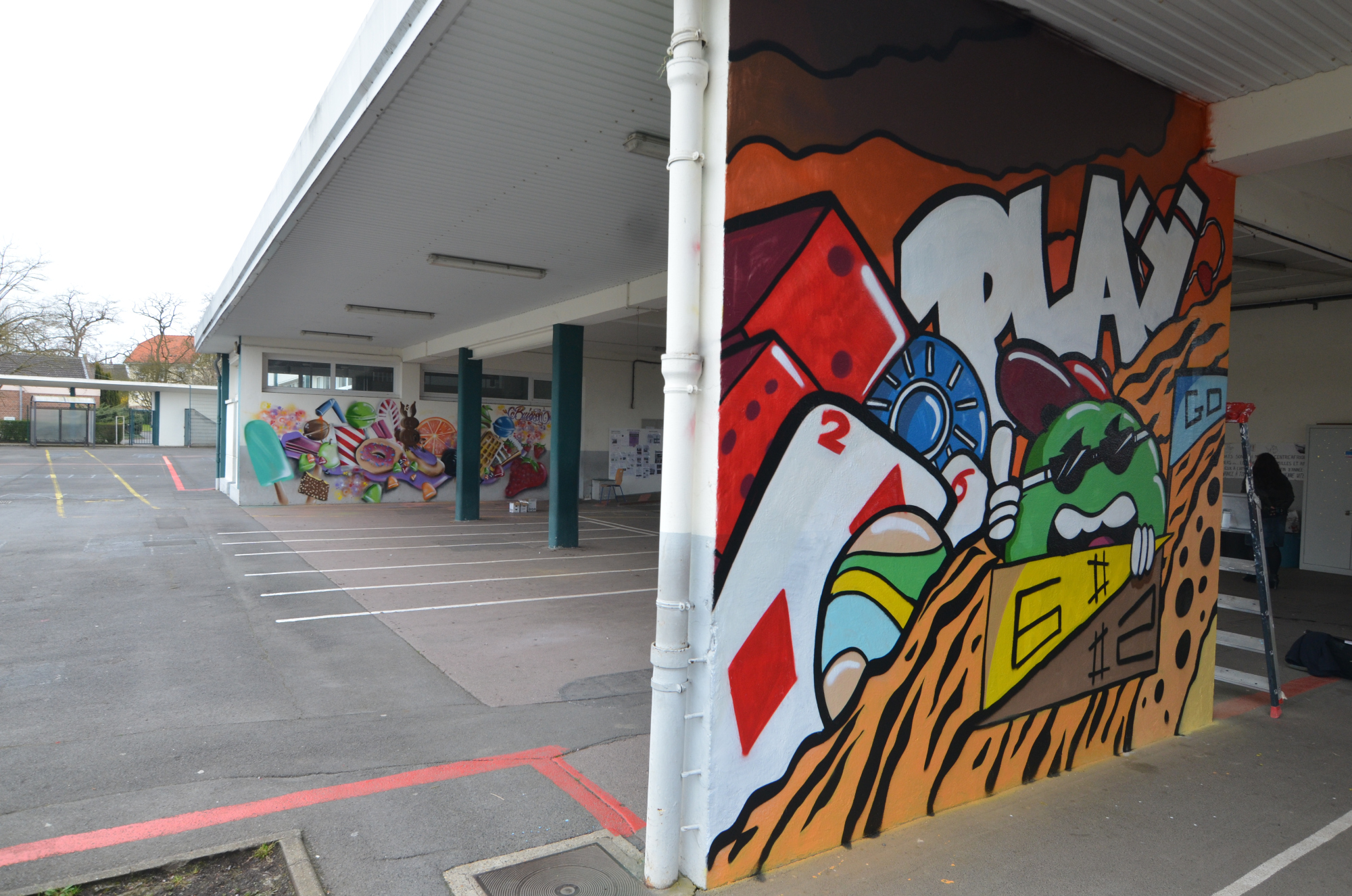 Graffiti dans une école
