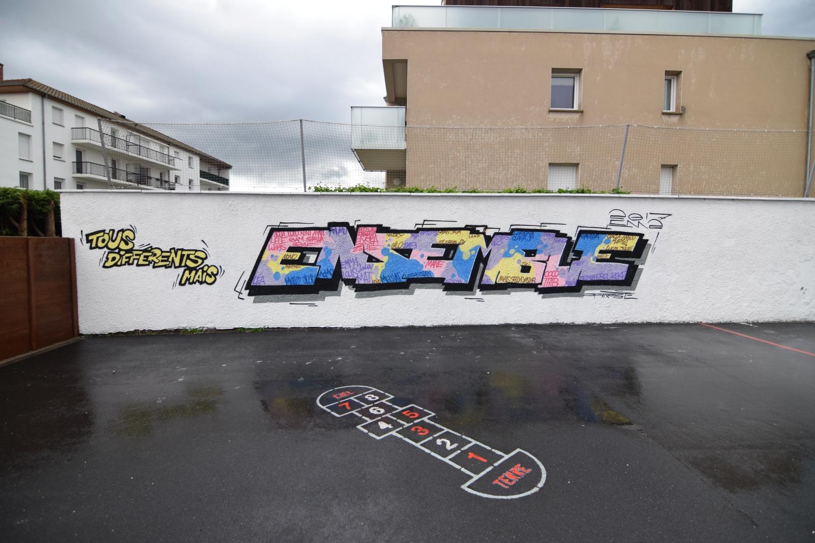 Fresque street-art à l'école Sacré Coeur d'Halluin