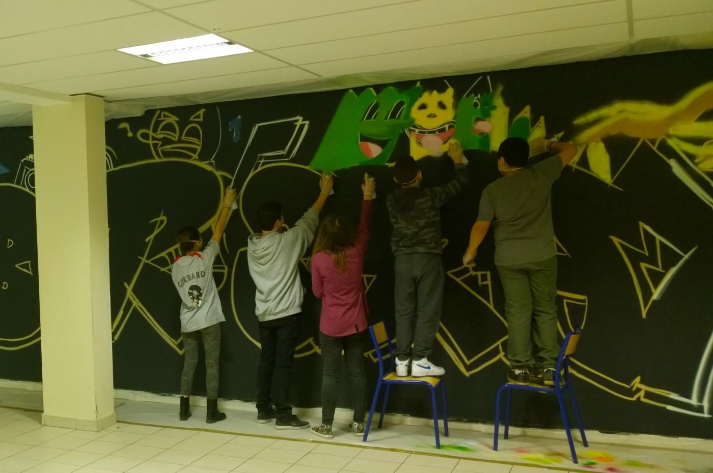 Un graff au collège et de belles animations graffiti