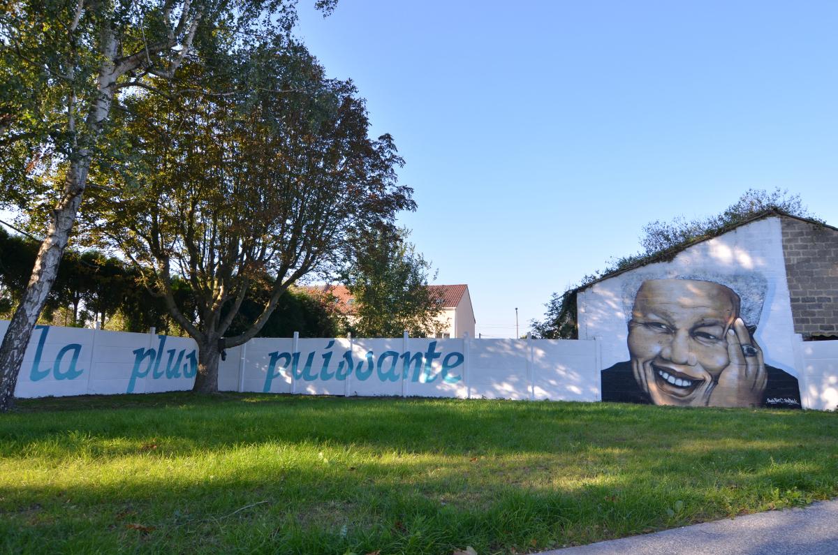 Un graffiti pour la médiathèque de Billy Montigny