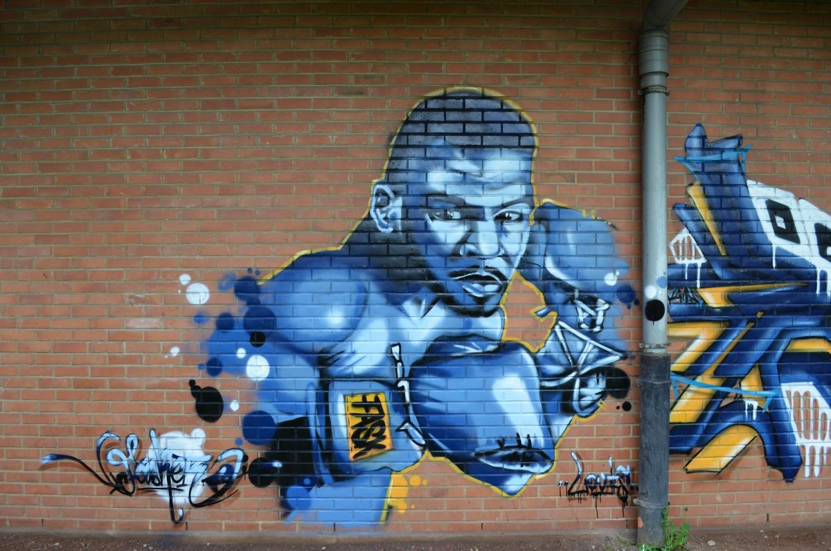 Mur de libre expression graffiti à Lens