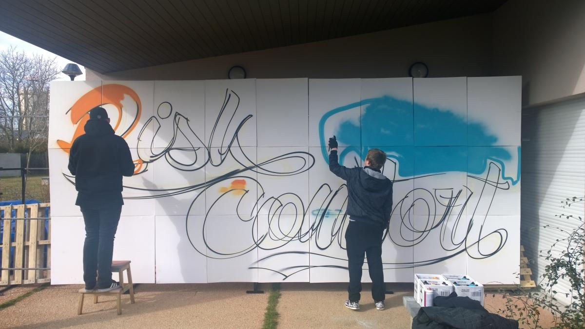 Un artiste graffer se rend à l'UEHC de Liévin