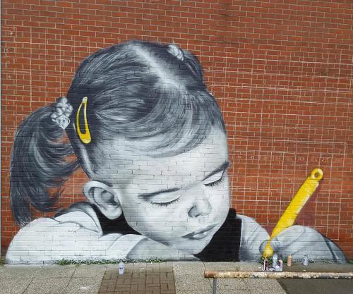 Portrait réaliste d'enfant à Auchel.